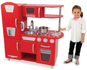 Кухня в подарок маленькой девочке